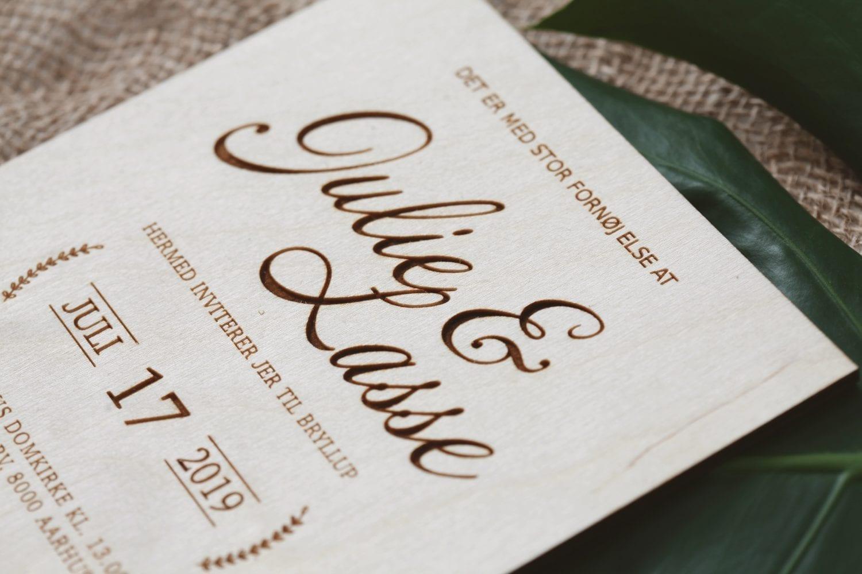 Invitation bryllup træ lasercut