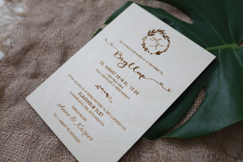 Invitation i træ bryllup