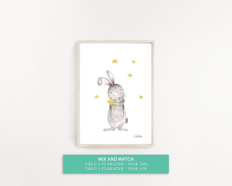 børne plakat kanin der krammer en stjerne