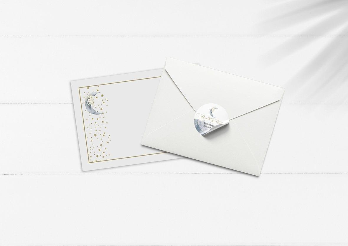 kuvert pakke med stickers måne og stjerner