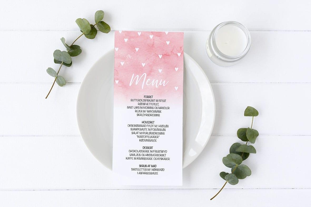 menukort med watercolor og hvide hjerter