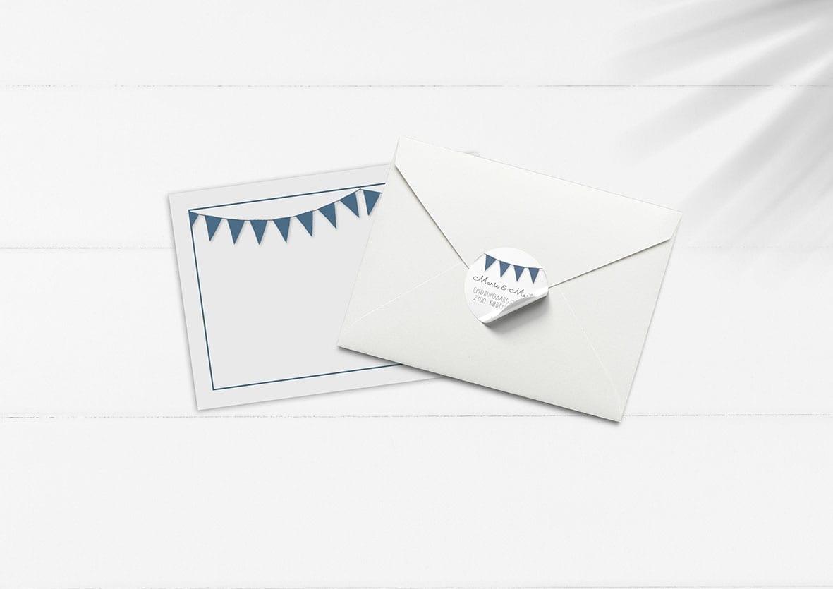 kuvert pakke med stickers blå vimpler